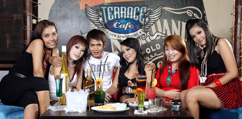 Sexy ladies terrace cafe karaoke jogja jogja picnic for Terrace yogyakarta