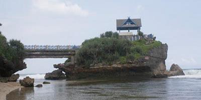 Eksotisme Pantai Kukup